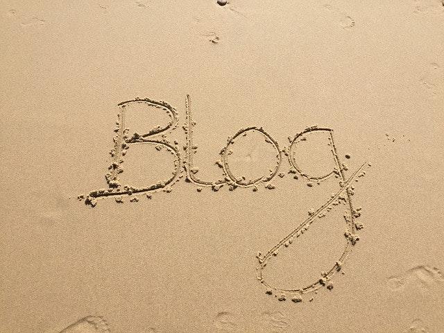 ブログデザインの料金相場