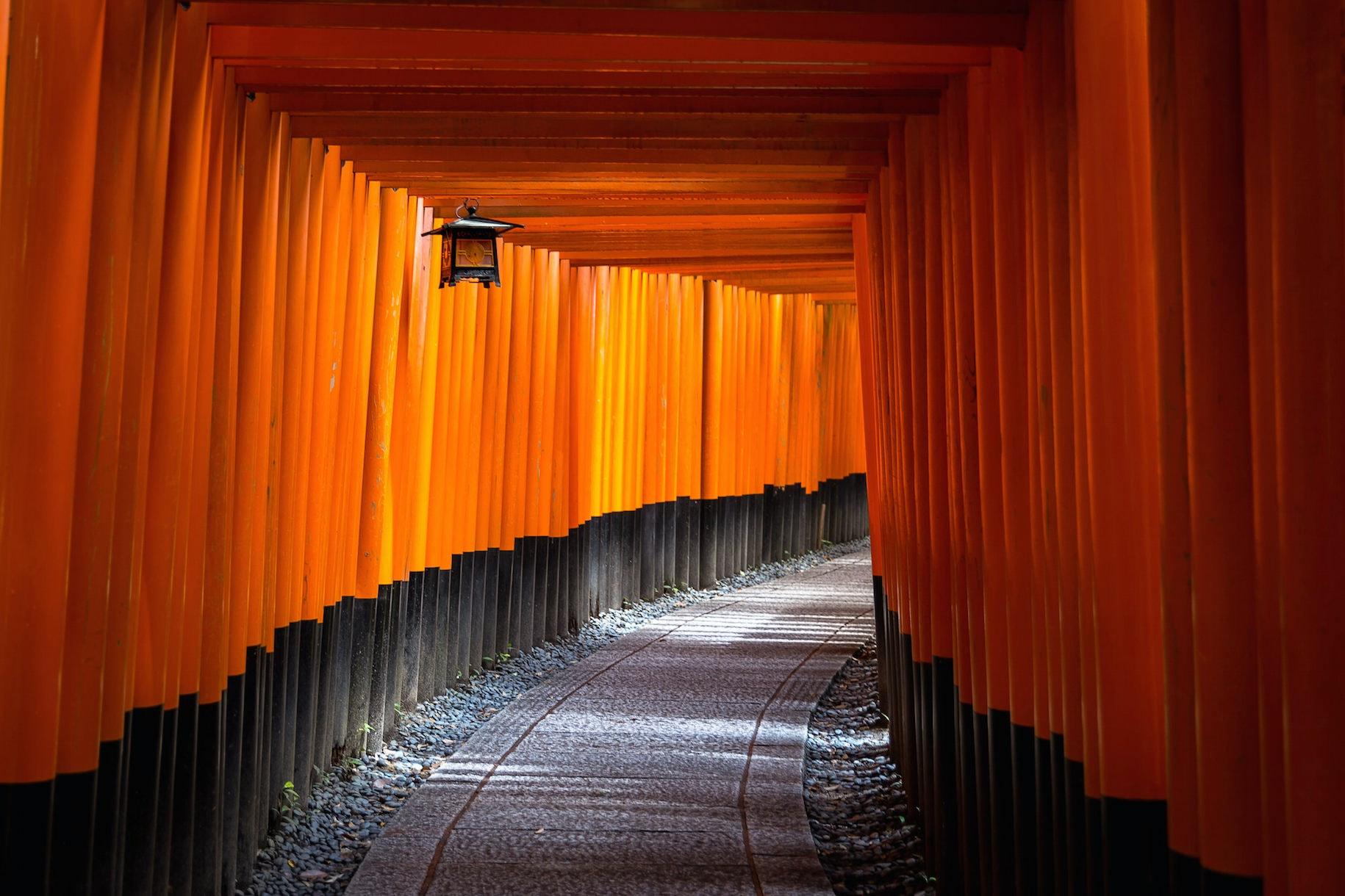 red Japan walkway lantern