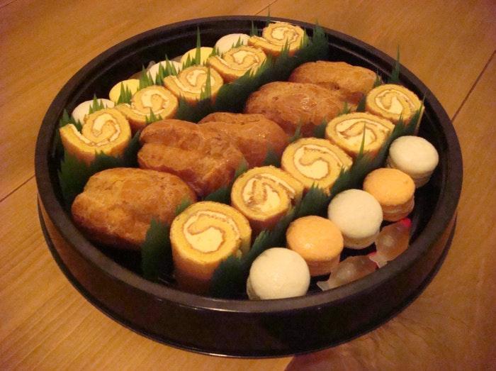 レモンのお菓子の寿司桶