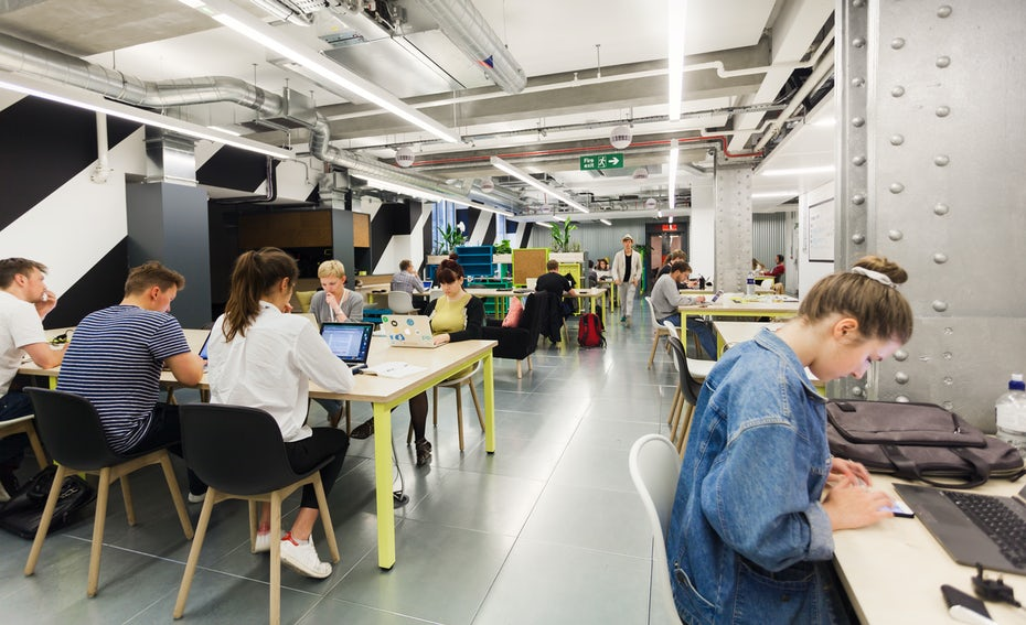 London S Top 19 Creative Workplaces For Employees 99designs Blog Our July Hot Desking