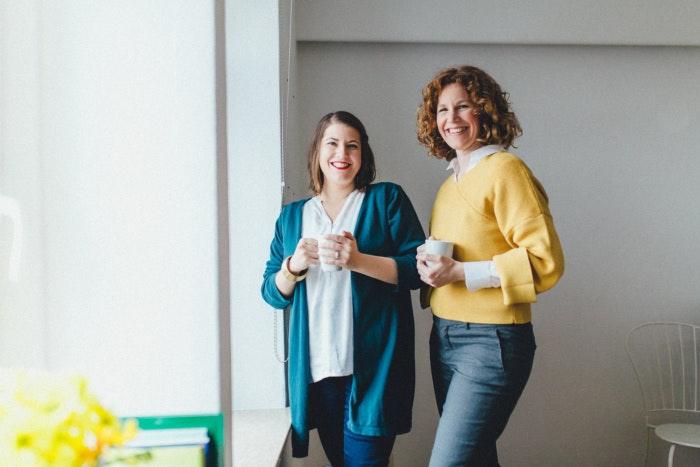 Sarah Schäfer und Julia Meder im Portrait, Podcasts für Entrepreneure, eigenstimmig-Podcast
