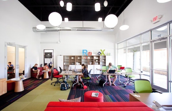 Link Coworking main room