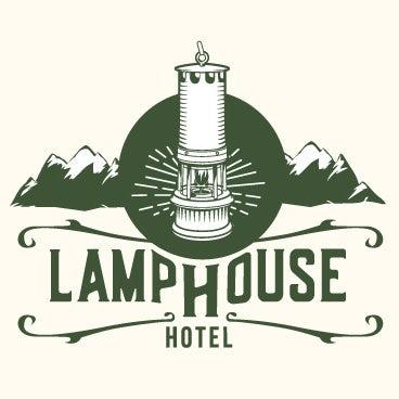 Une approche rustique, mais moderne, pour un logo adapté à un hôtel situé dans une ancienne ville de mineurs