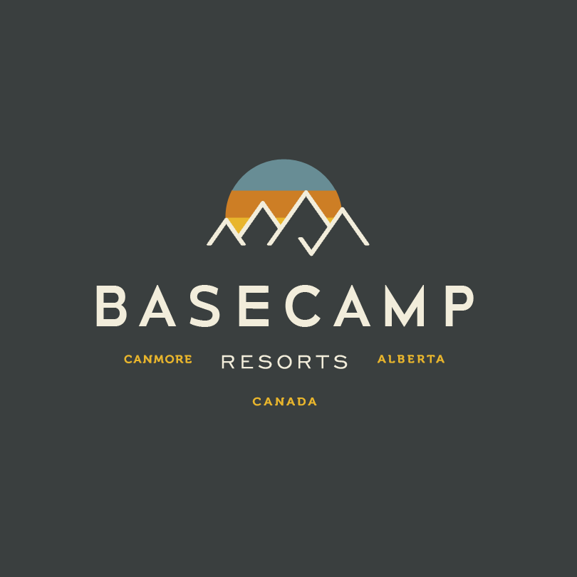 relaxed and modern resort logo