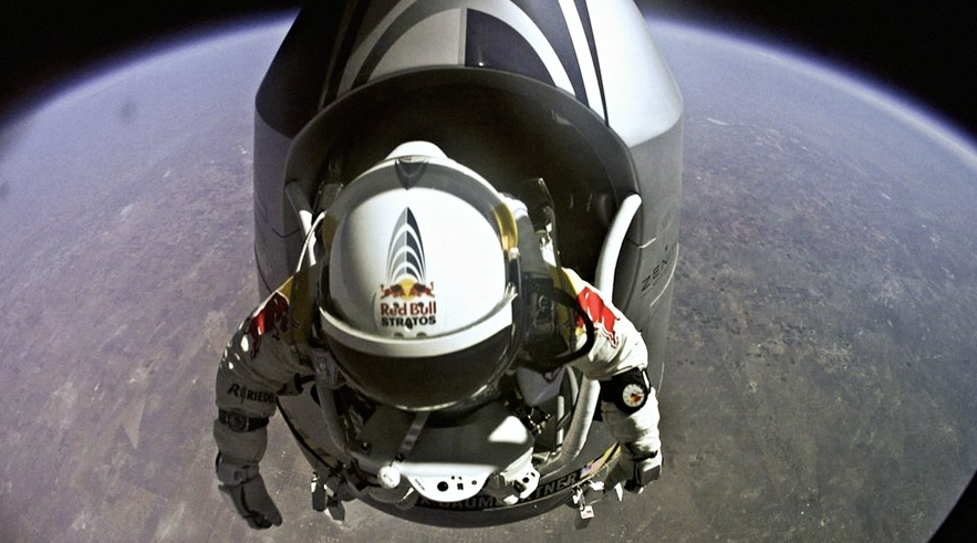 red bull gopro stratos space jump baumgartner
