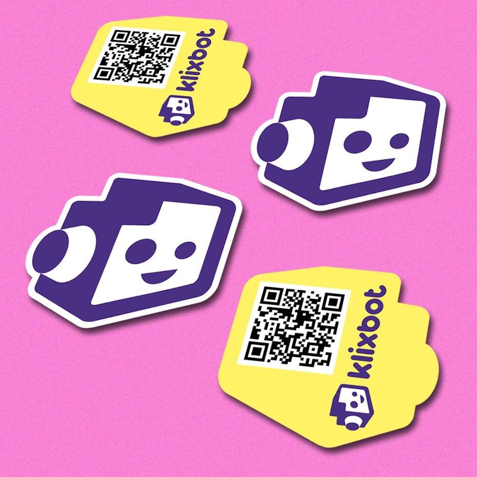 Тенденции визиток 2020: карточка в форме логотипа klixbot