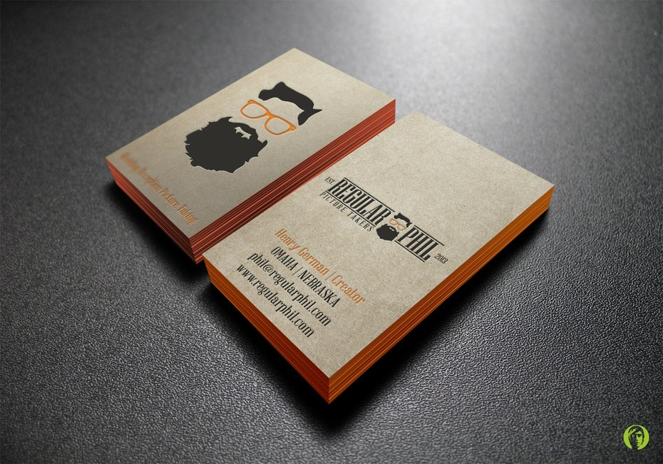 Business cards trends 2020 example: business card with colored edges