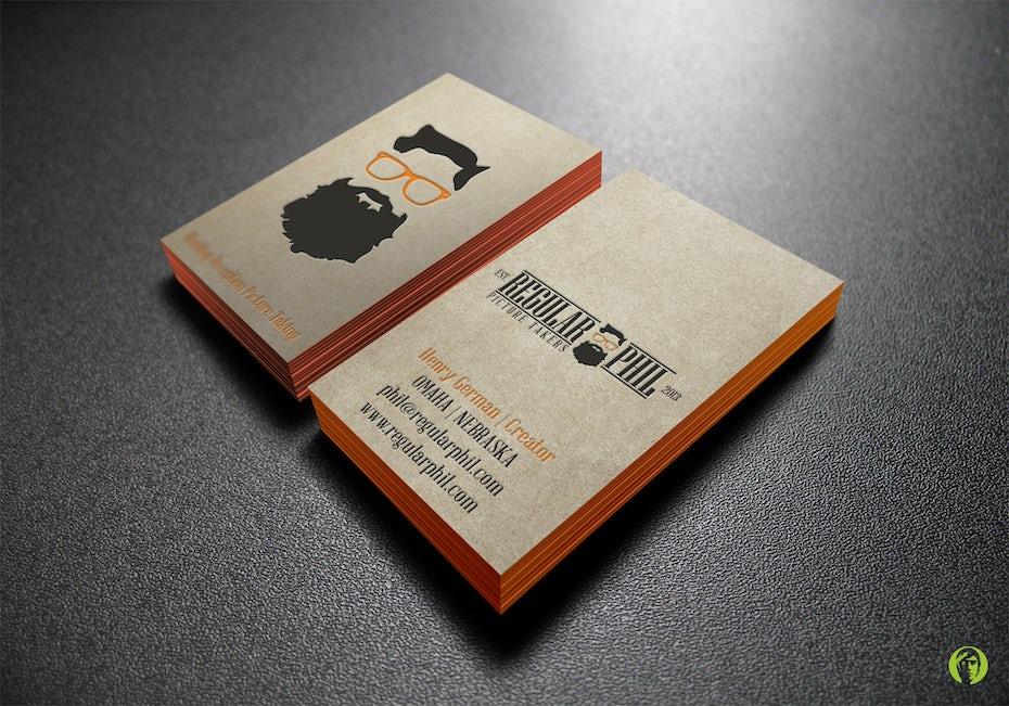 Ejemplo de tendencias de tarjetas de visita 2020: tarjeta de visita con bordes de colores