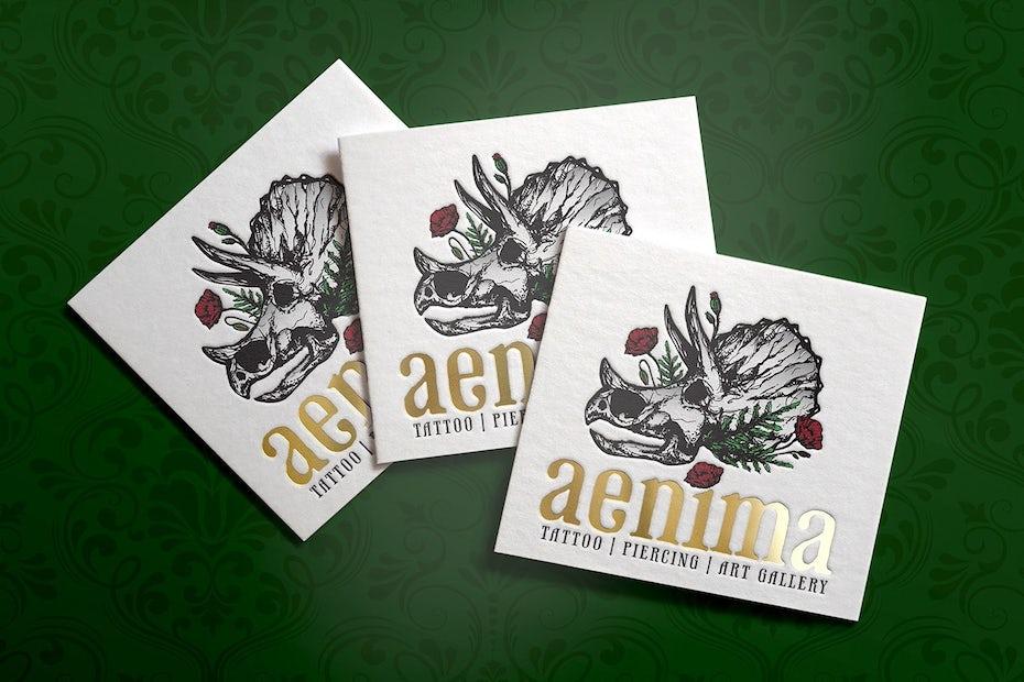 Ejemplo de tendencias de tarjetas de visita 2020: tarjeta de visita de flor de calavera de rinoceronte