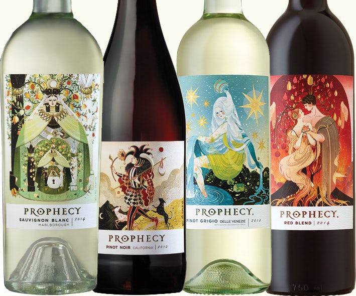Colección de botellas de vino Profecía una al lado de la otra.