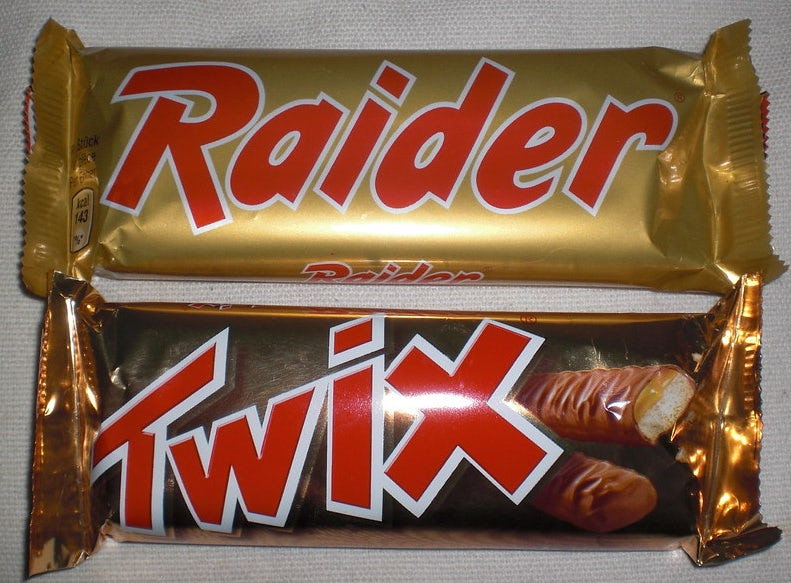 Raider and Twix bars side by side