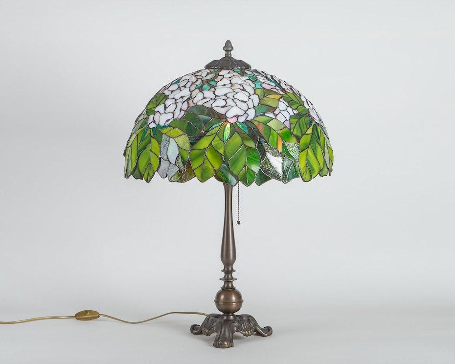 Art Nouveau stained glass lamp design